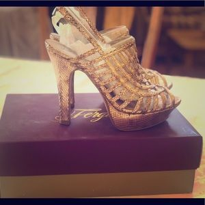 Fergie heels Copper